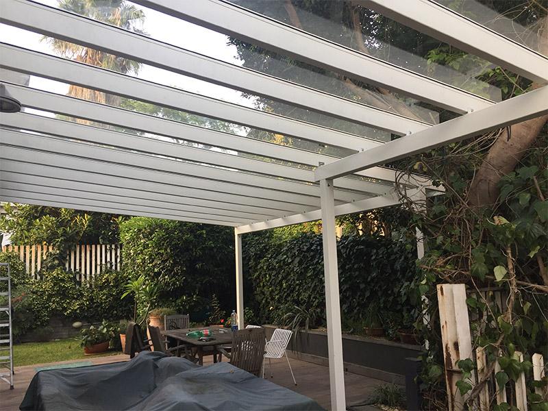 Pergola con copertura in policarbonato o vetro tecnotenda for Pergola policarbonato